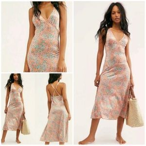 Free People Nowhere To Be Slip Dress NWT Xs/S